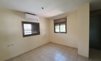 6 -room  house